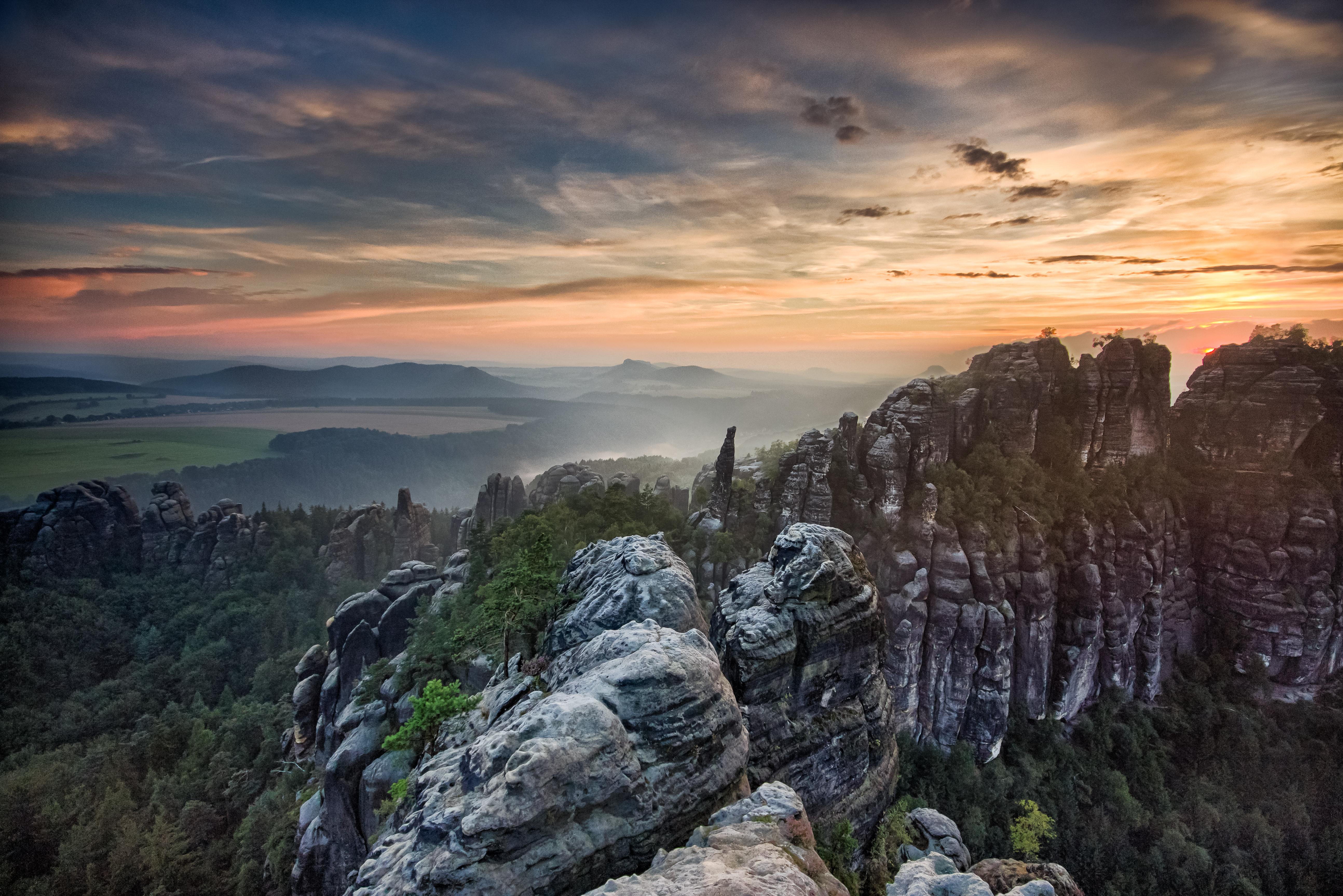 Die Schrammsteine bei Sonnenuntergang