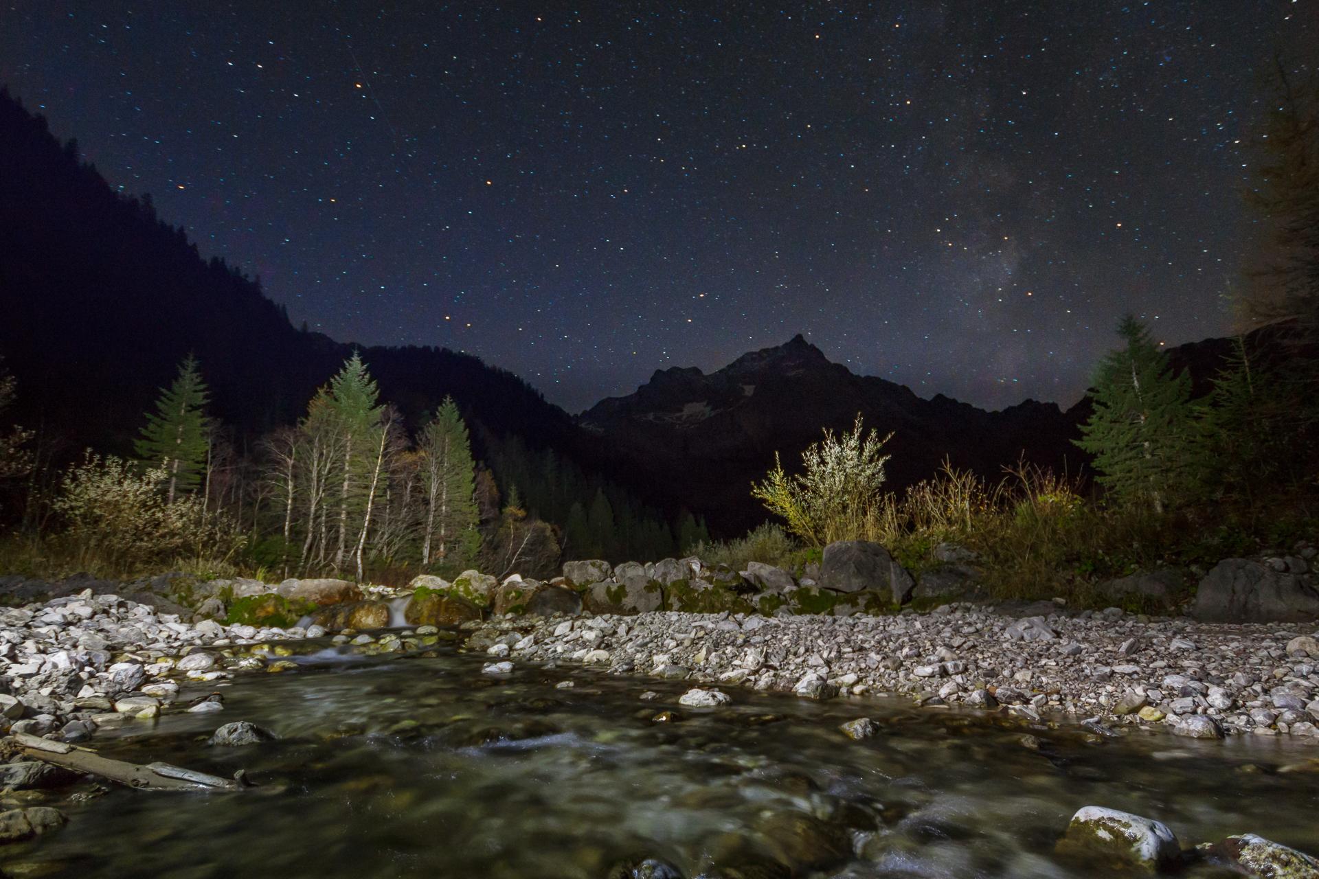 Der Nachthimmel über dem großen Ahornboden